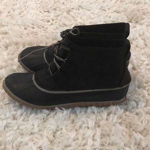 Black leather womens sorel boots